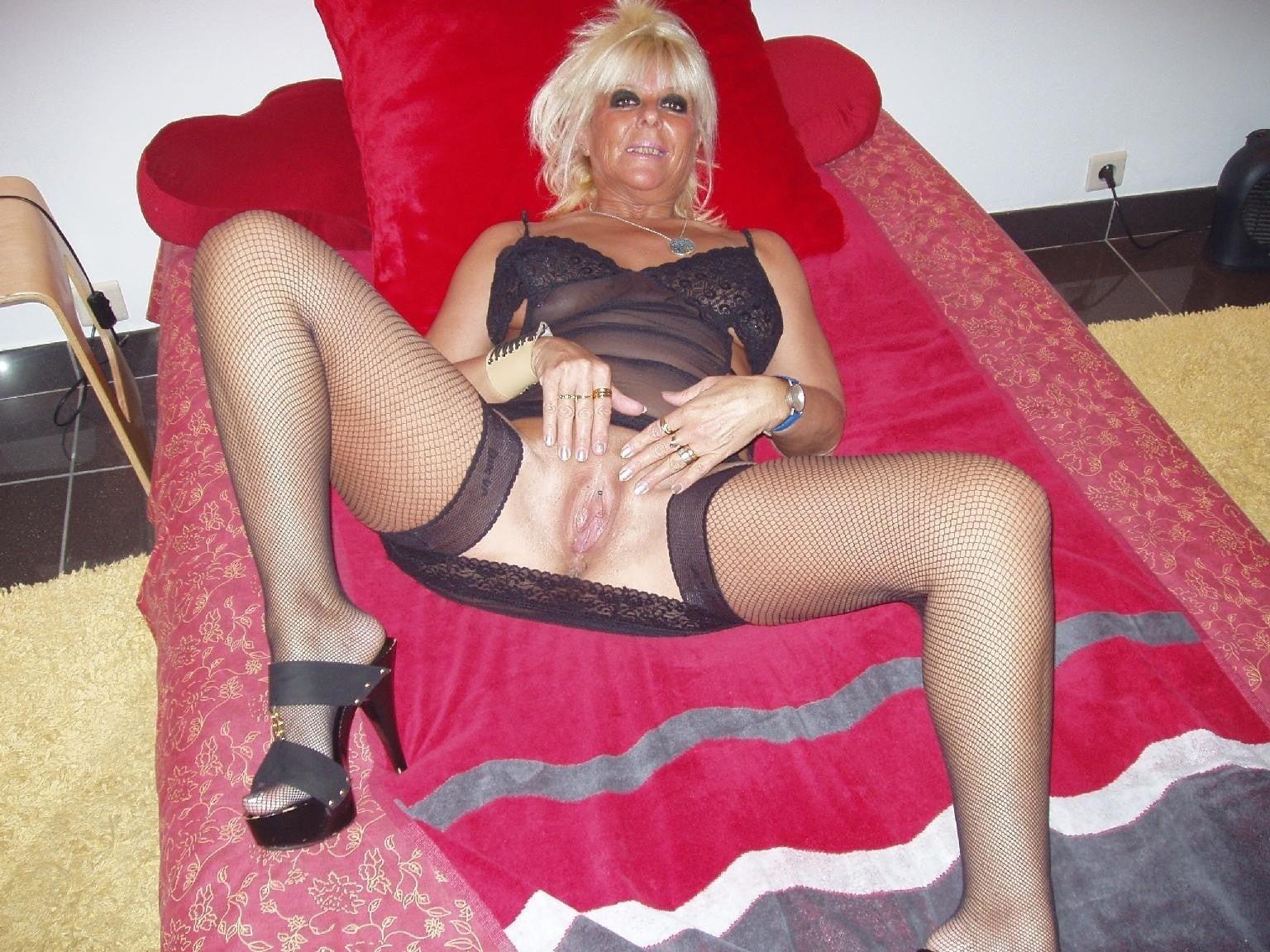 AnasthesiaLove from Bridgend,United Kingdom